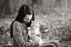 Senior Girl Portrait Ideas - Senior Girl Picture Ideas - Breezy Hill Portraits - Fall Portraits - Senior Portrait with Cat - Black and White