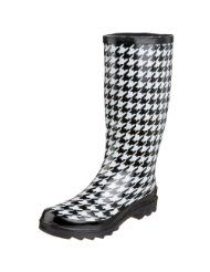 This is one of my Christmas gifts - love them to tromp in the rain walking Whitie and going in and out of schools on rainy days!