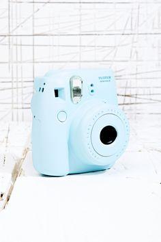 Fujifilm Instax Mini 8 Camera in Blue at Urban Outfitters / 90 libras Poloroid Camera, Instax Mini 8 Camera, Fujifilm Instax Mini 8, Fuji Instax Mini, Camara Fujifilm, Polaroid Pictures, Polaroids, Photo Polaroid, Photo Bleu