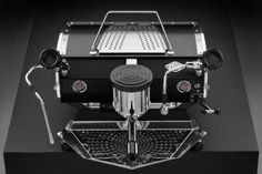 Kees van der Westen ~ Speedster a one group Espresso Machine Coffee World, Coffee Is Life, My Coffee, Espresso Coffee Machine, Espresso Maker, Mobile Coffee Cart, How To Make A Latte, Electric Coffee Maker, Wholesale Coffee