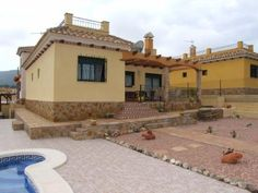 Calasparra NEW BUILD Villa with pool. House and gardens are well presented