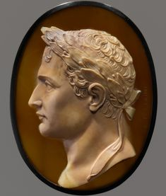 Much like their ancient prototypes, the rival emperors are wreathed in laurel. The pinkest blush in Alexander's onyx hints at corporeality, while the drab ocher sardonyx of Napoleon, by contrast, suggests a rather joyless military man Cameo Jewelry, Jewelry Art, Roman Gods, Ancient Jewelry, Antique Jewelry, Art Carved, Silver Work, Ancient Art, Sculptures