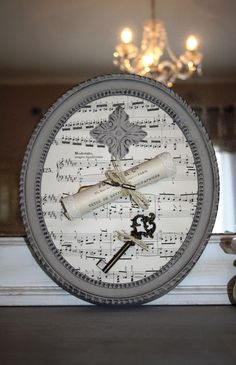 Easy Christmas Crafts, Simple Christmas, Diy Upcycled Decor, Christmas Bazaar Ideas, Old Book Crafts, Keys Art, Home And Deco, Tambour, Shabby Chic