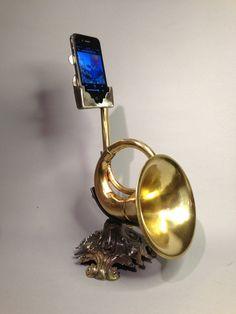Horn iPod Ampifier