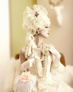 Let Them Eat Cake! - A Marie Antoinette inspired shoot with ICJUK Handbags and Hair Fascinators - Emma Cohan Photography