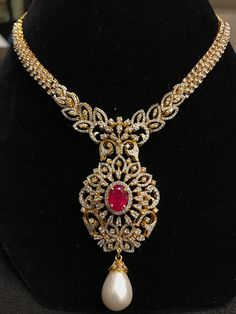 If you've purchased jewelry, it's important to take the time to take care of it. Just a little effort can make even a simple piece of jewelry last for a long time. Clover Necklace, Ruby Necklace, Earrings, Diamond Necklace Set, Diamond Jewelry, Gold Jewelry Simple, Short Necklace, Stone Jewelry, Indian Jewelry