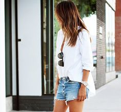 how to make cut off shorts: Five Tips To Make The Perfect Cutoff Denim Shorts via @WhoWhatWear Short Jeans, Short En Jean, Simple Summer Outfits, Espadrilles, Denim Cutoffs, Jean Shorts, Cut Off Jeans, Glamour, Spring Summer Fashion
