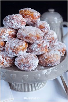 pączki z ziemniakami Fruit Recipes, Cake Recipes, Cooking Recipes, Sweets Cake, Polish Recipes, Doughnuts, Food And Drink, Cookies, Breakfast