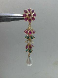 8gms Jewelry Design Earrings, Gold Earrings Designs, Gold Jewellery Design, Gems Jewelry, Jewelery, Rajputi Jewellery, Indian Jewelry Sets, Gold Jewelry Simple, Antique Jewelry