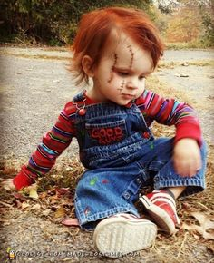 Take a look at the toddler Chucky costume which went hugely viral. Discover the simple instructions to make this super creepy DIY costume. Toddler Chucky Costume, Toddler Boy Halloween Costumes, Pregnant Halloween Costumes, Halloween Costume Contest, Baby Costumes For Boys, Chucky Halloween, Fox Halloween, Baby Kostüm, Halloween Disfraces