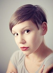 Fun and Trendy Short Hairstyles for Women-Slide 6