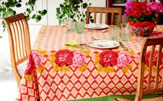 http://www.lisacorti.com/shop/it/10-tablecovers