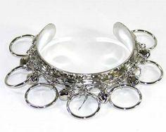Bracelet femme homme-métal argenté-breloques charms-anneaux-anneau-perles