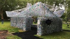 London currently uses over a billion single-use plastic water bottles every single year. Plastic Pollution, Plastic Waste, Plastic Bottles, Water Bottles, Sea Birds, Installation Art, Home Art, Outdoor Structures, Space