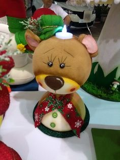 Patchwork navidad country new ideas Felt Christmas Ornaments, Christmas Fabric, Christmas Crafts, Christmas Decorations, Holiday Decor, Christmas Christmas, Snowman Crafts, Ornament Crafts, Fabric Decor