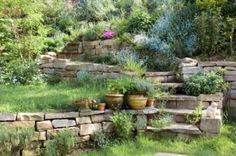 Stone gardens can adapt optimally to different plot sizes . Stone gardens can adapt optimally to different plot sizes. Herb Garden Pallet, Herb Garden Design, Dry Garden, Pallets Garden, Garden Paths, Water Garden, Meadow Garden, Garden Stepping Stones, Landscaping With Rocks