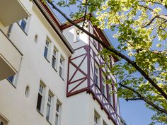 #Fachwerkdetails verleihen dem Haus einen unverwechselbaren Charakter und künden von der gestalterischen Fülle, für die #Frohnau einst Bekanntheit erlangte.