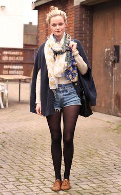 Moda en la calle en Londres: shorts de levi's