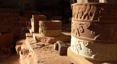"""Gwalior, Madhya Pradesh, is home of the great fort described as """"the pearl in the necklace of the forts of Hind"""" by Mughal emperor Babur. Indian Crafts, Stone Carving, Handicraft, Products, Stone Sculpture, Craft, Arts And Crafts, Gadget"""