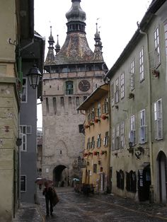 The clock tower, right next to Vlad the Impalers childhood home. It was so exotic being in Romania! City Breaks Europe, European City Breaks, Great Places, Places To See, Beautiful Places, Bulgaria, Travel Around The World, Around The Worlds, Romania Travel