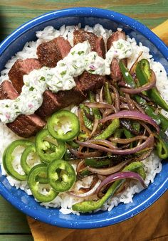 Creamy Cilantro Steak Bowl Easy steak bowl recipe with garlic lime rice and charred poblano Garlic Recipes, Meat Recipes, Mexican Food Recipes, Cooking Recipes, Healthy Recipes, Cilantro Recipes, Cilantro Sauce, Chicken Recipes, Cake Recipes