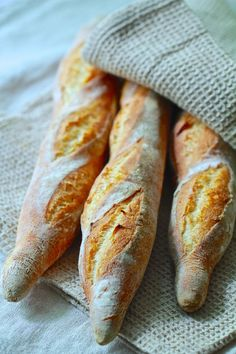 Bulgarian Recipes, Russian Recipes, Healthy Homemade Bread, Rustic Bakery, Baguette, Bread Rolls, Croissant, Different Recipes, Aesthetic Food