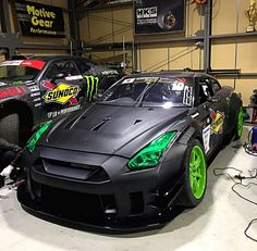 Liberty Walked Nissan GT-R Z_litwhips