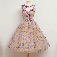vintage dresses,swing dress,party dress,floral dress,embroidery dress,elegant