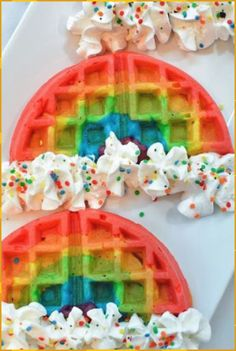 These rainbow waffles are a magically delicious way to start off your day! My kids love waffles. Rainbow waffles with whip cream and sprinkles would blow their mind! # Food and Drink homemade Rainbow Waffles – A Magically Delicious Breakfast Cute Food, Yummy Food, Healthy Food, Kreative Desserts, Rainbow Waffles, Unicorn Foods, Rainbow Food, Rainbow Things, Rainbow Desserts