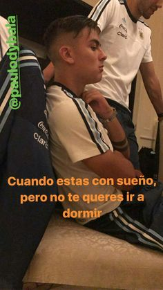 Translation: when you're dreaming but you don't want to go to sleep Football Boys, Football Players, Neymar, Cute Boys, My Boys, Cr7 Junior, Juventus Fc, Ronaldo, Sexy Men