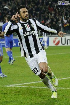 Quagliarella Juventus Soccer, Juventus Players, Juventus Fc, Soccer Players, American Football, Old Women, Warriors, Hockey, Chelsea