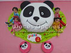 Doces Opções: Bolo Panda e os Caricas Bolo Panda, Rottweiler Funny, Panda Cakes, Panda Party, Party Time, Minnie Mouse, Activities, Christmas Ornaments, Holiday Decor