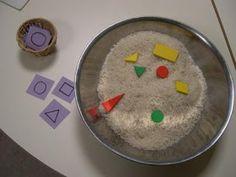 Auch in der Reisschüssel lassen sich Formen sehr gut verstecken:      Und um die Fehlerkontrolle anzubieten, haben wir die Formen auf Kärtch...