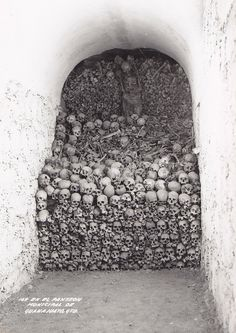 Mexico c 1930? The Mummies of Guanajuato are a number of naturally mummified bodies interred during a cholera outbreak around Guanajuato, Mexico in 1833. The mummies were discovered in a cemetery in Guanajuato, making the city one of the biggest tourist attractions in Mexico.