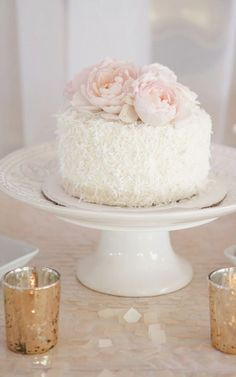 Wedding cake idea; Featured Photographer: Wayne and Angela