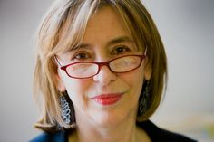 Azar Nafisi (Tehran, December 1955) is an Iranian writer now living in the United States. Her most famous book is the bestseller Reading Lolita in Tehran.