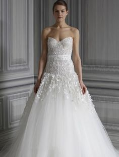 Monique Lhuillier - Sweetheart Ball Gown in Tulle