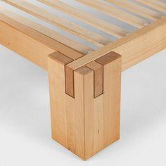 Sylvester Stallone's Life Story - Bett ideen Woodworking Basics, Woodworking Joints, Woodworking Projects Diy, Woodworking Furniture, Wood Furniture, Furniture Design, Bed Frame Design, Diy Bed Frame, Timber Beds