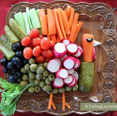 Cute Turkey Vegetable Tray – Fun Food Idea for the kids to create for Thanksgiving! Cute Turkey Vegetable Tray – Fun Food Idea for the kids to create for Thanksgiving! Thanksgiving Appetizers, Thanksgiving Table, Thanksgiving Recipes, Fall Recipes, Holiday Recipes, Hosting Thanksgiving, Christmas Appetizers, Christmas Parties, Holiday Foods