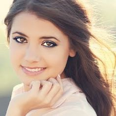 This is Tess Christine she is an awesome beauty guru so look her up on you tube at tess123!