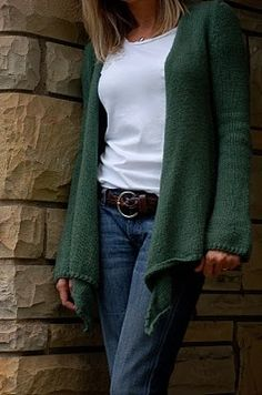 slouchy cardigan. free pattern..