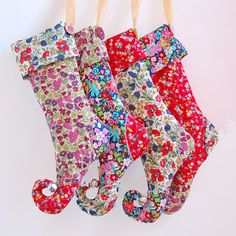 Liberty Print Elf Christmas Stocking Tutorial & Pattern - Liberty print will always make my heart happy! Diy Christmas Stocking Pattern, Cute Christmas Stockings, Diy Stockings, Christmas Sewing, Christmas Crafts, Christmas Christmas, Jamberry Christmas, Fabric Christmas Decorations, Christmas Tables