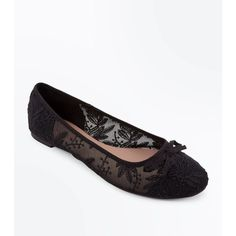 Black Sheer Lace Bow Ballet Pumps ($18) ❤ liked on Polyvore featuring shoes, black, black ballet shoes, bow shoes, black ballerina pumps, ballet shoes and black slip on shoes