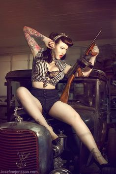 Pinups! I want to be in a pic like this  http://bestgunsmithingschoolsonline.com
