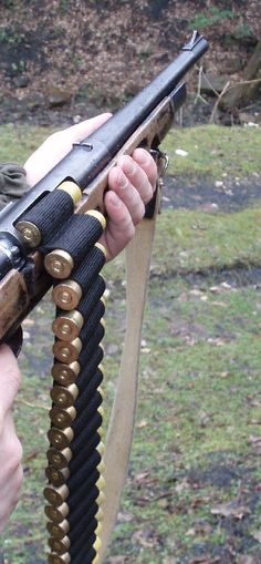 The TULA TOZ-106 The TOZ 106  is the shortened shotgun MC 20-01. - It is very (very very) noisy. - Poor accuracy, but for close hunting enough. - Maximum size of holder is 4 bullets (mount, shown in...