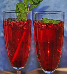 Granatapfel - Drink mit Prosecco und Minze