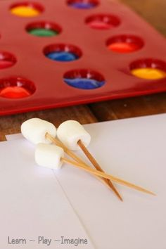 Painting with marshmallows - fine motor art for kids. Students will attach mini marshmallows onto toothpicks and dab them into paint to create a painting. This will target fine motor skills as well as creativity. Kindergarten Art, Preschool Activities, Motor Activities, Toddler Activities, Toddler Crafts, Crafts For Kids, Play To Learn, Fine Motor, Gross Motor