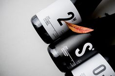 Creative Wine, Packaging, Winelife, Labels, and Behance image ideas & inspiration on Designspiration Brand Packaging, Packaging Design, Product Packaging, Wine Packaging, Inspiration Wand, Daily Inspiration, Design Inspiration, Bridal Shower Wine, Wine Auctions
