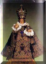 Infant of Prague, pics of many vestments