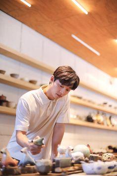 Gong Yoo captures the warmth of spring with 'Epigram' Actors Male, Asian Actors, Korean Actors, Actors & Actresses, Busan, Gong Yoo Goblin Wallpaper, Hello My Teacher, Goong Yoo, Goblin Gong Yoo